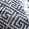 Acryl Strick Decke Triangle mit Fransen Detail