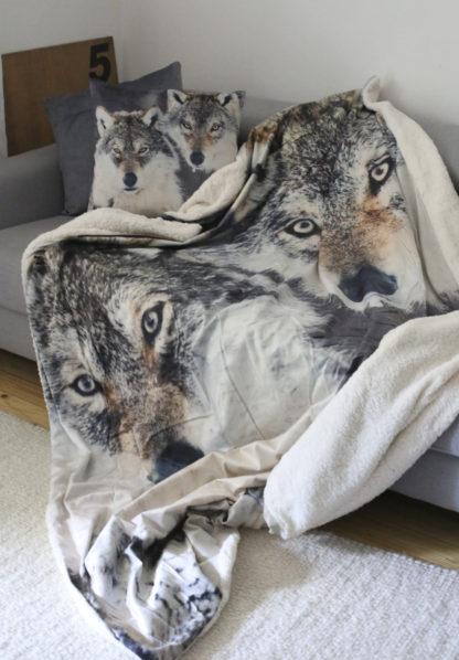 Decke und Kissen Wolf. 5